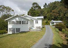Beautiful 1913 Californian bungalow in stunning Whangaroa Harbour, Far North District   Bookabach.co.nz/11200