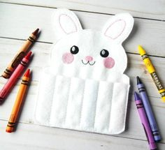 felt crayon roll up - Easter toys for kids - Easter gift - Easter bunny crayon roll - Easter basket stuffers - felt toy - Easter rabbit gift Easter Presents, Easter Gifts For Kids, Easter Gift Baskets, Presents For Kids, Easter Crafts, Diy Easter Toys, Crayon Roll, Easter Bunny Decorations, Felt Toys