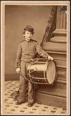 Little Drummer boy from the War ~ Union; reminds me of Johnny Clem. Vintage Pictures, Vintage Images, American Civil War, American History, War Drums, War Image, Drummer Boy, Civil War Photos, Vintage Photographs
