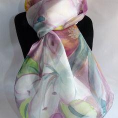 86f5dcd4241c Echarpe foulard en soie peint main fleurs blanches, roses et jaunes
