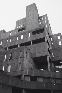 Amazing Brutalist Architecture That Can Fascinate You Concrete Architecture, Minecraft Architecture, Urban Architecture, Futuristic Architecture, Amazing Architecture, Streamline Moderne, Concrete Structure, Built Environment, Brutalist