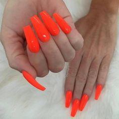 @chaunlegend  @vetro_usa 307 Electric Orange#TeamVetro #TeamValentino #nails #nailartclub #nailpromagazine #nails