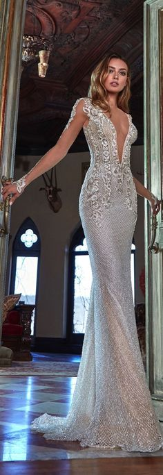 How can one not fall breathlessly in love with the every stunning wedding dresses on Galia Lahav Spring 2017 Collection - Le Secret Royal? Stunning Wedding Dresses, Beautiful Gowns, Wedding Gowns, Bridal Dresses, Prom Dresses, Formal Dresses, Dream Dress, Nice Dresses, Bride
