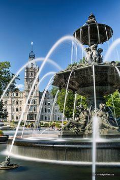 La fontaine de Tourny et le parlement de Québec. Photographie : www.digitaldirect.ca
