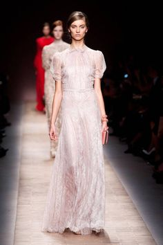 Spring 2013 Trend Report: Lace (Valentino)