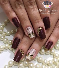 Super Nails Natural Look Manicures Gold 35 Ideas Blue Gold Nails, Black Nails With Glitter, Maroon Nails, Red Nails, Almond Nails Designs, Toe Nail Designs, Gel Nail Polish Colors, Nail Art For Beginners, Almond Acrylic Nails