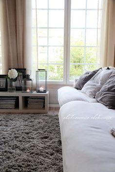 living room via divaaniblogit.fi/vaaleanpunainenhirsitalo