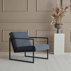 VIKKO tuoli käsinojilla - Innovation Living - Futonnetti.fi Outdoor Chairs, Outdoor Furniture, Outdoor Decor, Mocha, Indigo, Innovation, Home Decor, Decoration Home, Indigo Dye