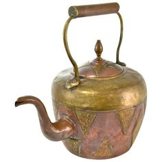 Antique Morrocan Copper & Brass Teapot (£110) ❤ liked on Polyvore featuring home, kitchen & dining, teapots, coffee & tea service, tea-pot, brass teapot, copper teapot, antique teapots and antique brass teapots