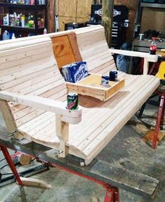 DIY Porch Swing Bench with Cup Holder #woodworkingbench