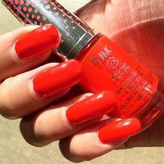 Bright red by @collistarnederland No 662 Don't Stop Me. #nailpolish #nails #nailstagram #collistar #collistarbeauty #rednails #nagels #makeup #bblogger #makeupaddict #beautyblogger #instabeauty #FF #love