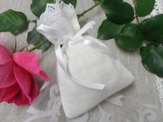Linen favor bags. Lace favor bags. 20 Small gift by LINENSPRING