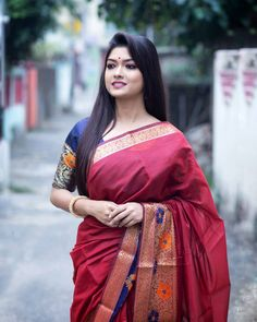 Photo by Rrittika Majumder 🌸 INFLUENCER in Kolkata with and Image may contain: 1 person, standing and outdoor Red Saree, Indian Beauty, Kolkata, Sarees, Image, Makeup, Artist, Outdoor, Fashion