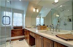 Beautiful bath ~ 289 Gatestone, Oakville