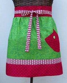 Free Christmas Wrap Apron Sewing Pattern