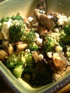 Dinner, portabella mushroom, broccoli, pinenuts, pesto, feta, onions
