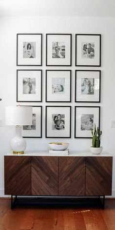 Simple Home Decor Remember when it comes to displaying family pictures on a wall black and white is always right! ---------------- Home Decor Remember when it comes to displaying family pictures on a wall black and white is always right! Decor, Interior, Gallery Wall Living Room, Living Room Decor, Boho Living Room, Home Decor, Displaying Family Pictures, House Interior, Family Room Makeover