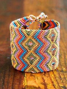 Friendship Bracelet. DIY
