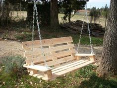 Comfy Swing Out of Pallets. Pallets are usually free, all you'd have to buy is the chain. Gotta make one now!