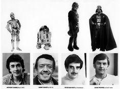 """Qui se cache derrière le costume poilu de Chewbacca et les enveloppes robotiques de C-3PO, R2-D2 et Dark Vador ? Réponse dans cette fiche datant de """"L'Empire contre-attaque""""."""