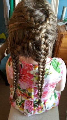 Trying out  a Cris cross French plait!