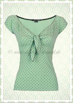 Best T-shirt Vintage Sew Ideas Shirtdress Outfit, Summer Dress Outfits, Skirt Outfits, Empire Waist Tops, Sewing Blouses, Dress Neck Designs, Shirt Skirt, Beautiful Blouses, Blouse Styles