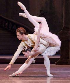 Sergei Polunin and Lauren Cuthbertson..Sleeping Beauty..fish dive.