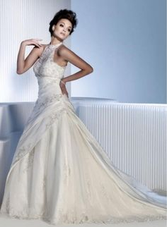 2013 new wedding dress -  http://zzkko.com/book/shopping?note=22552