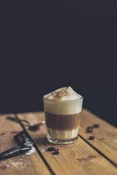 photography inside the cafe Coffee Milk, Coffee Spoon, I Love Coffee, Coffee Club, Coffee Creamer, Coffee Art, Black Coffee, Iced Coffee, Coffee Drinks