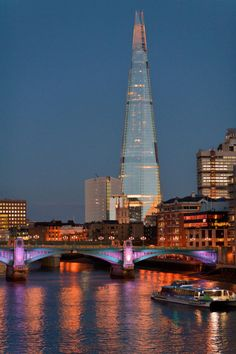 "Italian Architect Renzo Piano, constructed ""The Shard"" in London measuring 1016 ft including 95 stories. This modern glass and steel building is the tallest building in the United Kingdom. England Uk, London England, Oxford England, Cornwall England, Yorkshire England, Yorkshire Dales, Places Around The World, The Places Youll Go, The Shard London"