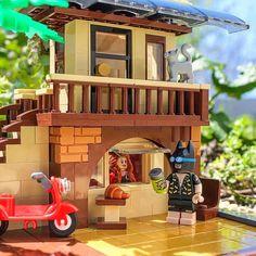 "1,698 Likes, 15 Comments - Brick Explorer  (@brickexplorer) on Instagram: ""Batweekend  #lego #lego_hub #brickcentral #toydiscovery #batman #dccomics #architecture"""