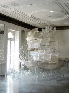 Vouge art director Rhea Thierstein  had this idea to create a giant ice ship for Vogue US
