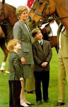 Princes Harry and prince William with her mother Prince Diana