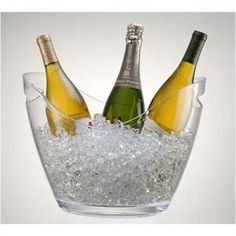 Vino Gondola Acrylic Wine Cooler - Clear 4 Bottles is the coolest beverage tub for keeping up to four bottles of wine chilled! The Vino Gondola is the perfect acrylic party tub for an outdoor or indoo Wine Drinks, Beverages, Wein Parties, Beverage Tub, Make Your Own Wine, Wine Bucket, Brunch, Champagne Buckets, Shopping