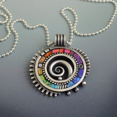 Sterling silver pendant necklace with rainbow por LizardsJewelry