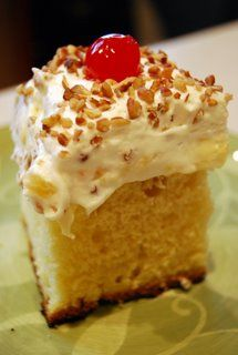 Pineapple Pudding Cake - low cal and low fat! it sounds wonderful to be so low cal, low fat and low cholesterol! Pineapple Pudding, Pinapple Cake, Pineapple Recipes, Cake Recipes, Dessert Recipes, Pudding Recipes, Mousse, Muffins, Biscuits