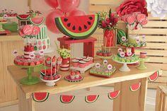 Festa infantil com tema melancia - Constance Zahn   Babies & Kids