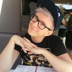 The always wonderful Tyler Oakley DMed me on twitter today :) What a great way to end the night!