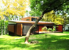 Ferrous House- A Contemporary Dwelling Located in a Wooded Nature Preserve of Milwaukee