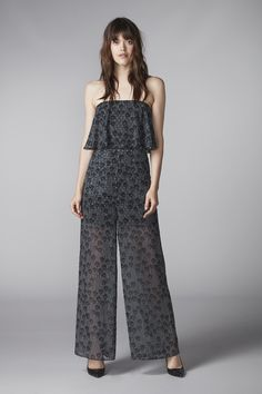 NEVA total from hálo – european travel outfit summer Cute Fall Outfits, Summer Outfits, Greece Outfit, Classy Yet Trendy, Paris Outfits, Scandinavian Fashion, Boho Summer Dresses, Travel Outfit Summer, Love Clothing