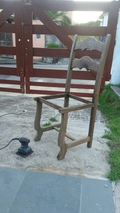Cadeira achada na rua