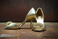 Gold Badgley Mischka shoes. I wish I knew where to get these!