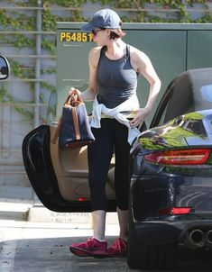 Anne Hathaway goes to the gym for a morning workout on October 22, 2014 in West Hollywood, California.