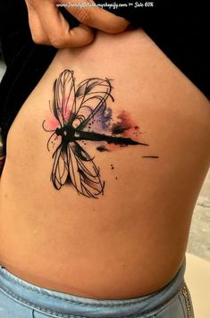 Cool Tattoos for Light Skinned Neue Tattoos, Body Art Tattoos, Small Tattoos, Sleeve Tattoos, Heart Tattoos, Tatoos, Watercolor Dragonfly Tattoo, Dragonfly Tattoo Design, Watercolor Tattoos