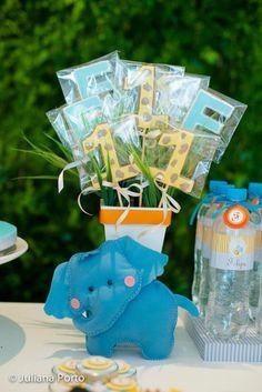 Zoo Themed Birthday Party via Kara's Party Ideas | Kara'sPartyIdeas.com #Zoo #Birthday #Party #Planning #Idea (30)