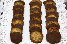 Moscovitas: galletas crujientes de almendra y chocolate