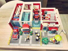 Lego City Fire Station, Lego City Fire Truck, Fire Trucks, Lego Fire, Photo L, Babies, Firefighter, Babys, Fire Engine