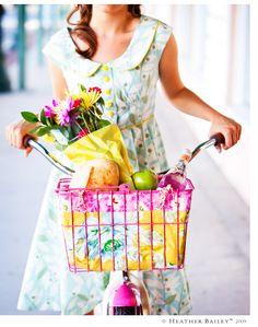 bright bike  Bicicleta pink com cestinha colorida com flores