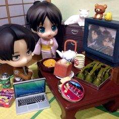 "Let's watching ""Attack on Titan"" together."