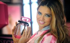 Adriana Lima Perfume photo